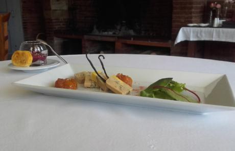 L'Auberge de la pointe, foie gras a la vanille et son chutney aux fruits exotiques miel et vinaigre de noisette / © Auberge de la Pointe